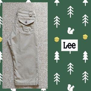 Lee just below the waist capris sz 6